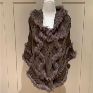 NWT DOLCE CABO FUR TRIM PONCHO WITH HOOD